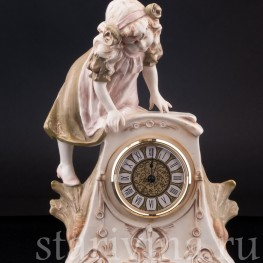 Фарфоровые часы Девочка, Royal Dux, Чехия, нач. 20 в