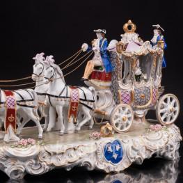 Большая фарфоровая композиция Карета с четверкой лошадей, Sitzendorf, Германия.